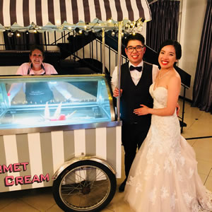 LuvLee Ice Cream Cart at a Wedding